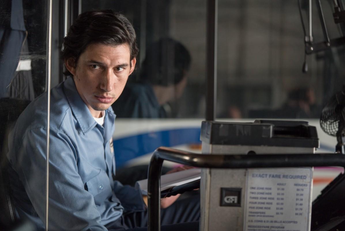 Recenze: Paterson – Kouzelný snímek o nevšedním řidiči autobusu