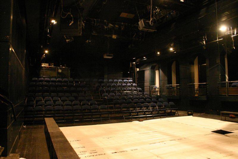 Divadlo DISK – program na únor