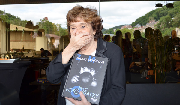 Fotografka Zuzana Mináčová pokřtila v Karlových Varech svou knihu