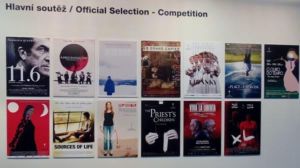 Chcete vidět plakáty soutěžích filmů z Karlových Varů? Zajděte na výstavu