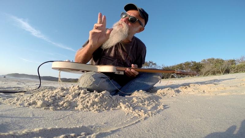 Divoký bluesman Seasick Steve zahraje v březnu poprvé v Praze