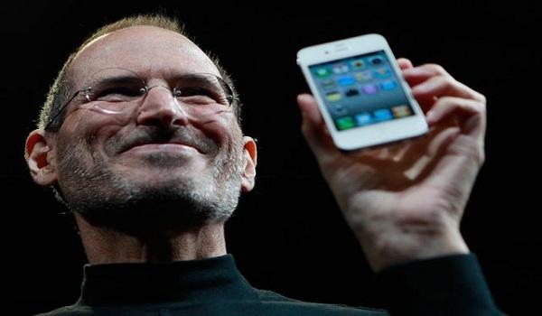 Dnes jde do kin nový dlouho-očekávaný film o životě Steva Jobse