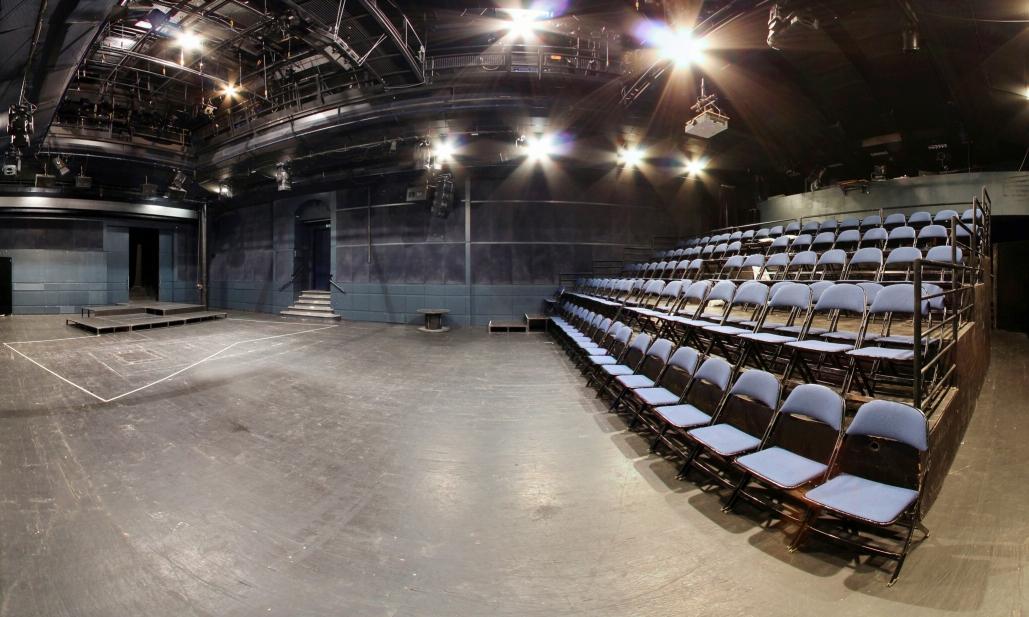 Divadlo DISK – program na říjen