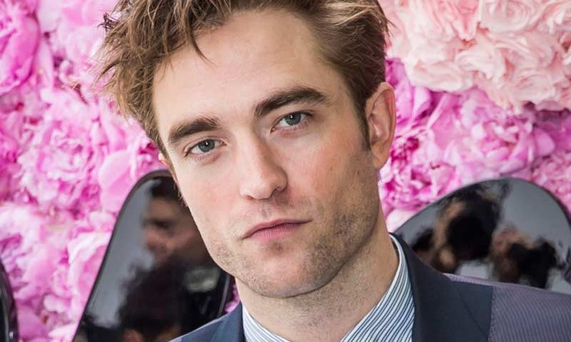 Do Varů míří i Robert Pattinson, převezme cenu prezidenta
